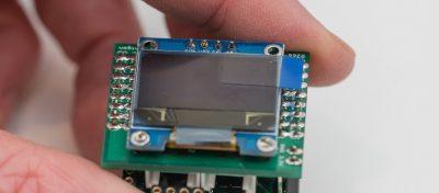Hier siehst Du den Mikrocontroller mit allen Platinen