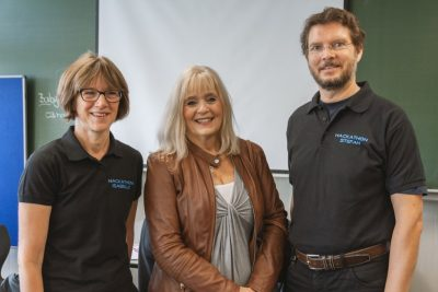 StDin Isabelle Nieder-Raspiller, Kulturdezernentin PD Dr. Margit Theis-Scholz und OStR Stefan Wintgen